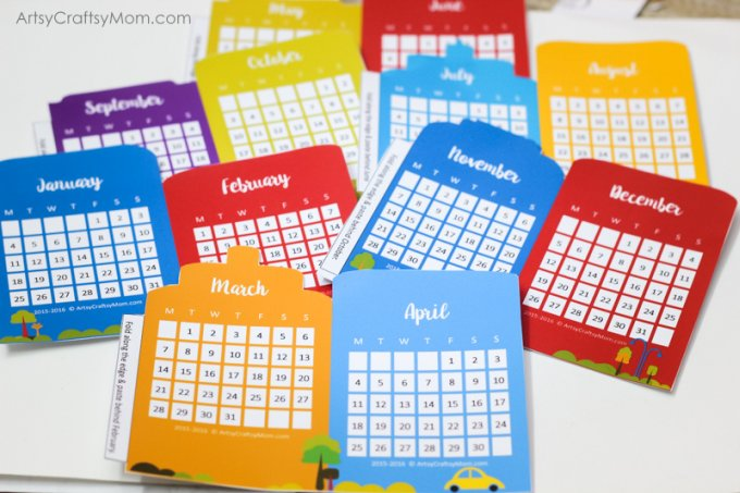 Free Cityscape Accordion Fold 2016 Printable Calendar - This delightful little desk calendar features 12 colorful Cityscape designs in an accordion style format.
