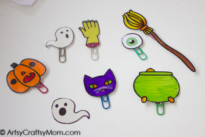 Quick Non Candy Halloween Mini Bookmark treats are super fun for kids and perfect for kids with allergies. With Free Printable.