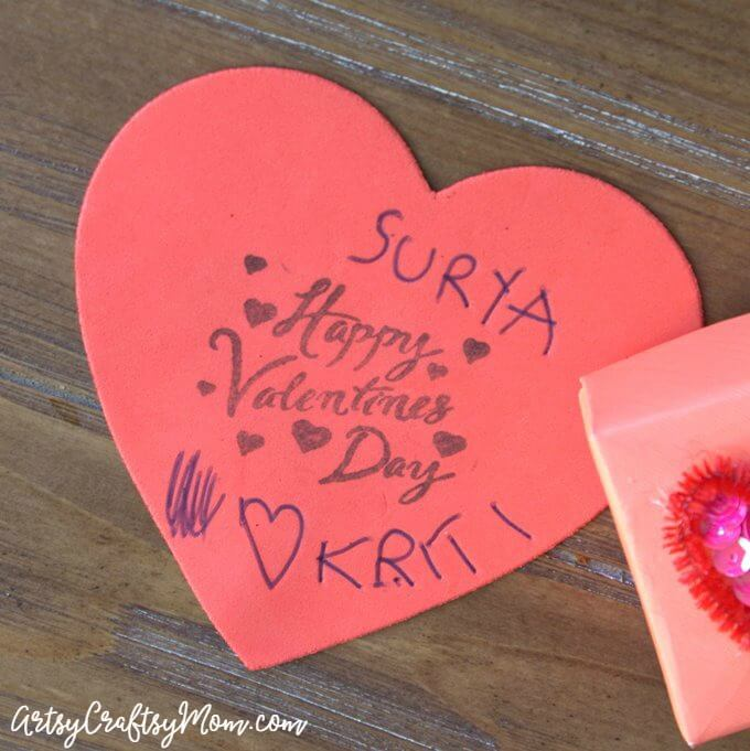 This DIY Origami Gift Box is perfect for Valentine's Day! Fill it with small gifts, candy and a cute message straight from the heart!