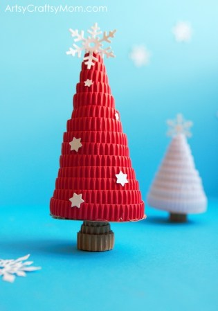 DIY Corrugated Paper Christmas Tree