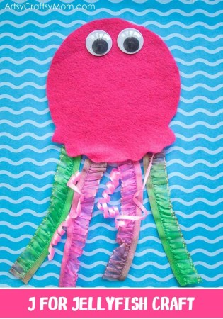 Make this adorable J for Jellyfish Craft using our Printable Template that's perfect for a unit on sea life, ocean theme, Letter J activities or if you're focusing on invertebrates & sea animals.