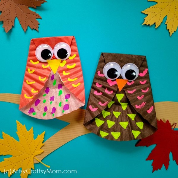 Kids will love this adorable cupcake liner owl craft, made with Fall-themed colors and embellishments. A really simple project that's perfect for little kids too!