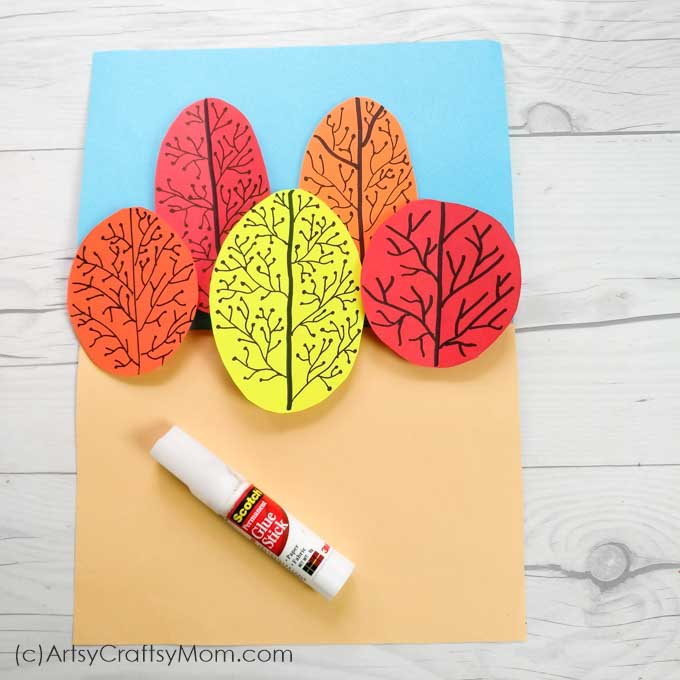 Bring alive the colors of fall in this super simple Autumn Tree Pop Up Card that even young kids can make, with a little help from Mom and Dad!