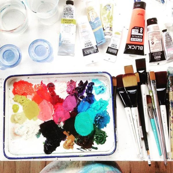 Paint table