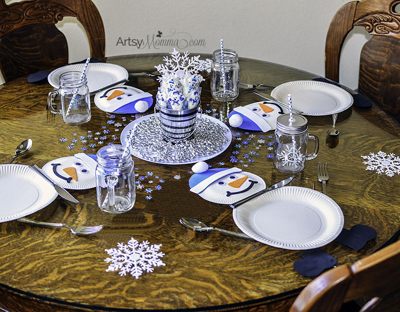 Paper Plate Snowman Table Setting for Winter Themed Party
