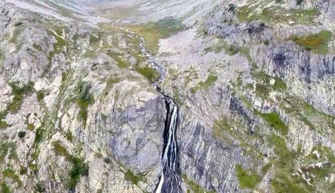 Türkiye'nin en yüksek şelalesi Ciro ziyaretçilerini ağırlıyor