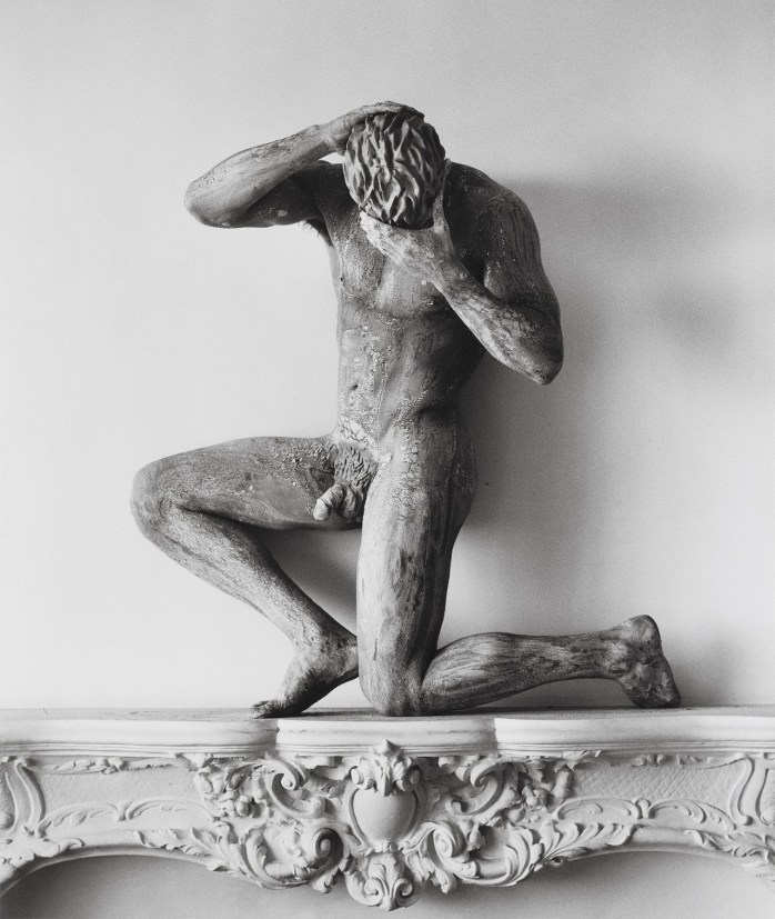 Herb Ritts - Clay Nude on Mantel, 1989