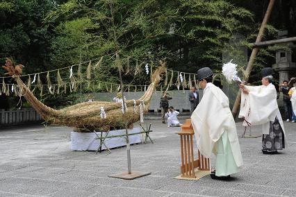枚岡神社の「葦船奉納神事」
