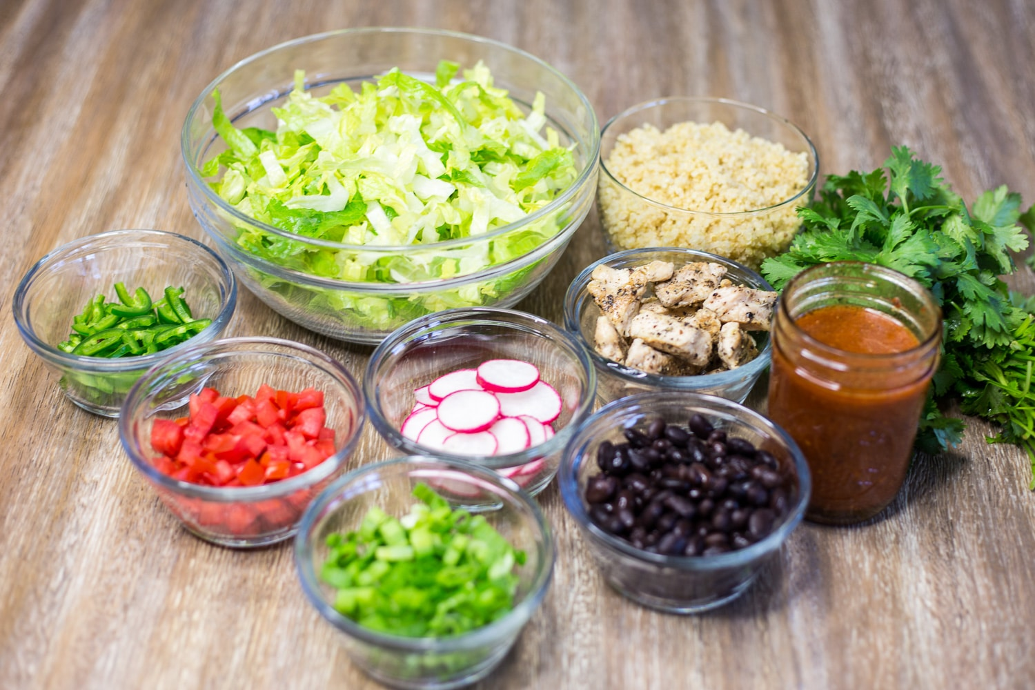 Salad in a jar makes for a great lunch on the go! |artzyfoodie.com|
