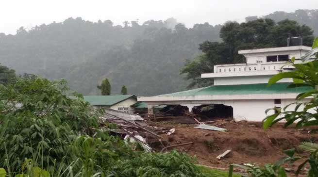 Massive Land Slide in Bhalukpong, 2 killed