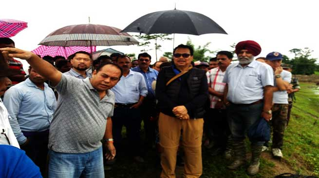 Dy Chief Minister Chowna Mein Visits Flood Affected Namsai