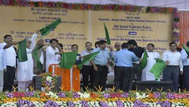 Photo of Prabhu Flagged Off Agartala- New Delhi Tripura Sundri Express