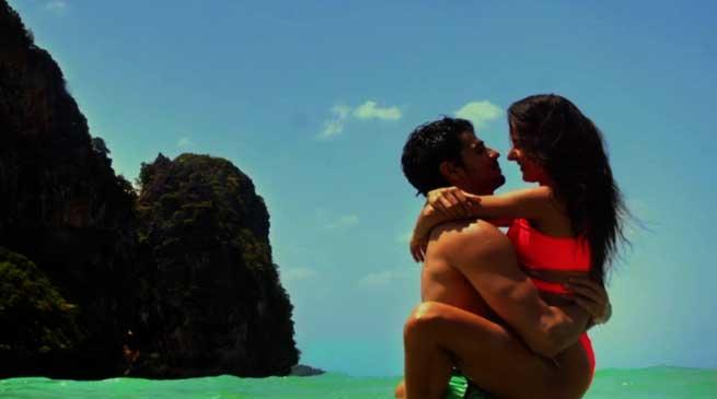 Baar Baar Dekho Trailer- Full of Kissing and Bikni Scenes
