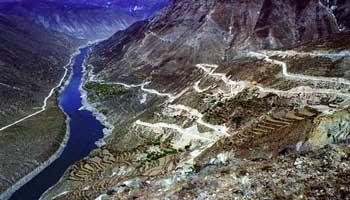China-plans-dams-in-Tibet--