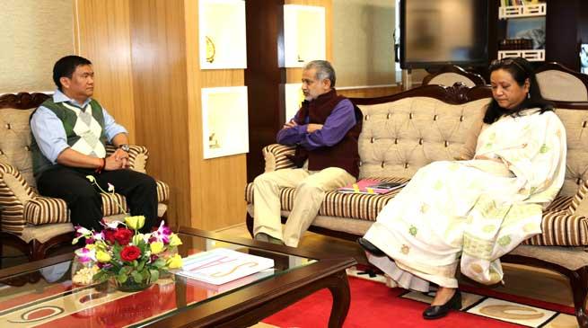 Khandu and Kutty discussed the demonetisation impact in Arunachal