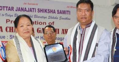 Higio Aruni conferred Krishna Chandra Gandhi Award 2016