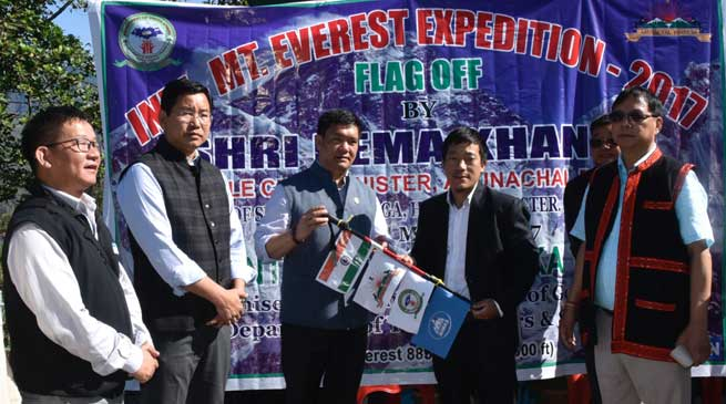 Khandu flagged off Taka Tamut for Everest Expedition
