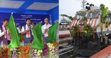 Gohain flagged off Dibrugarh-Guwahati Shatabdi Express