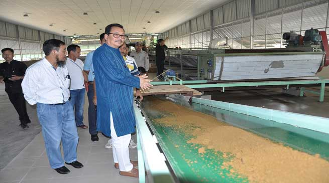 Chwona Mein Visits Integrated Farm of Farmer Tana Neka Tara