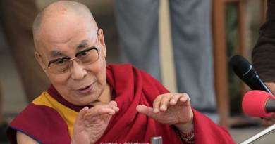 Dalai Lama is an early riser, Read his Daily Routine
