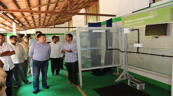Khandu visits Sri Sri Kaushal Vikas Kendra for Renewable Energy