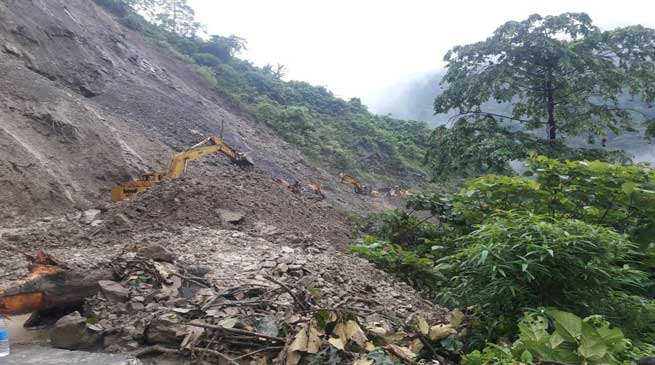 BRO Clears Land Slide in Balipara-Tawang Road