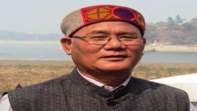 Photo of CM Khandu congratulates eminent writer Yeshi Dorjee Thongchi