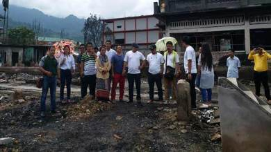 Photo of DUA contributes relief to fire victim at Daporijo