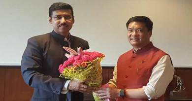 Khandu meets Rajyavardhan Rathore, seeks sports stadium at Itanagar