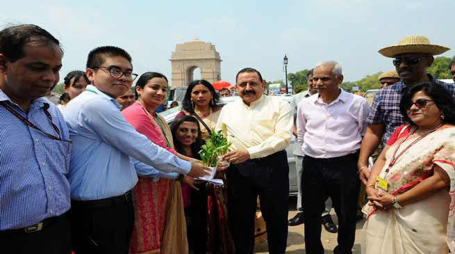 "New Delhi: ""North East Calling"" festival begins at India gate"