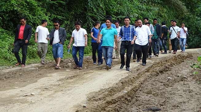 "USIYF begins ""Rasta Roko"" movement on Itanagar-Jote road"