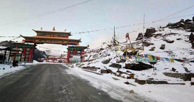 Tawang, Sela pass witnesses first Snowfall of this winter