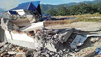 Assam officials demolishedtourist lodges at Assam-Arunachal border