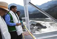 Photo of CM Khandu took stock the condition of the water in Siang River