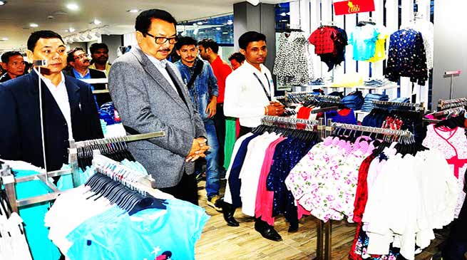 """Chowna Mein inaugurates fashion retail outlet """"Inmark"""""""