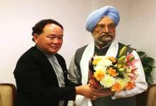 Photo of Rebia discusses Itanagar Smar City proposal with Hardeep Singh