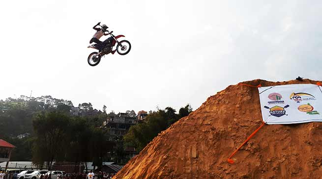 Itanagar: Ace biker show stunt mesmerised and thrilled the youths