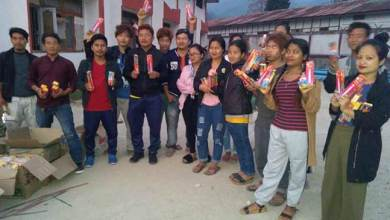 Photo of Arunachal : All Sagalee Student's Union distributes Candle to students suffering due to power cut