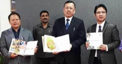 """Arunachal : Gamlin releases book on """"Aromas of Arunachal"""""""