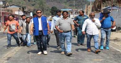 Arunachal : Tapuk Taku inspects black topping work of Mina Pahar - colony junction Road