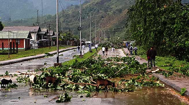 Arunachal : Storm and thundershower lashes Yupia