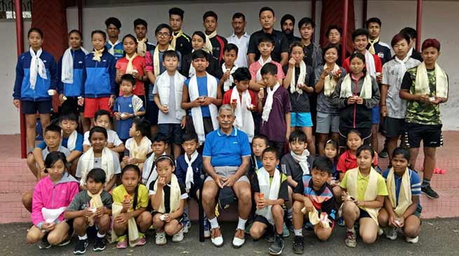 Arunachal:  Governor  interacts with budding badminton players