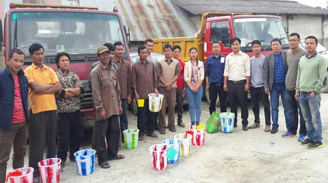 Arunachal: AAPLU distributes Mosquito net, blanket, and more to labourers