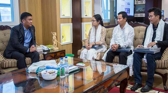 Arunachal: UPSC qualified candidates meet CM Khandu