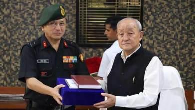 Photo of Arunachal: Maj Gen Jarken Gamlin calls on speaker Thogdok