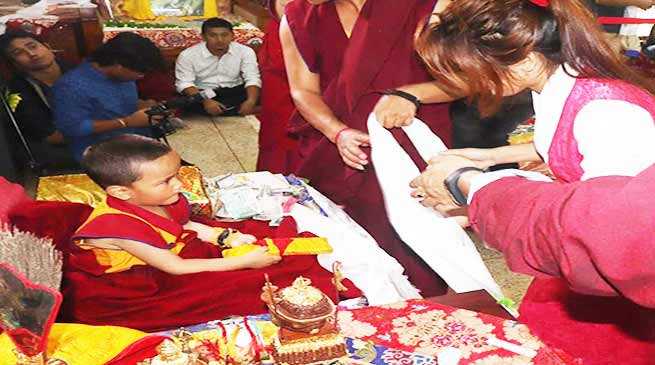 Arunachal: 10th Lhagyalri Rincpoche (Tenzin Wangchen) visits Itanagar, thousand gets blessing