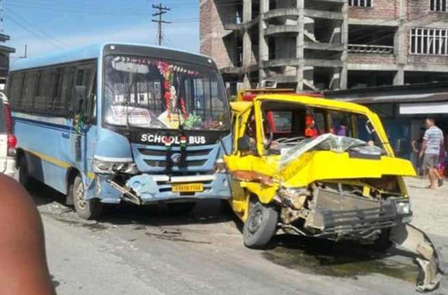 Arunachal: Two school bus collided, 6 students injured