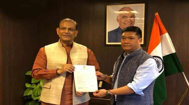 Arunachal: Khandu urges Jayant Sinha for early sanction of Green Field Airport