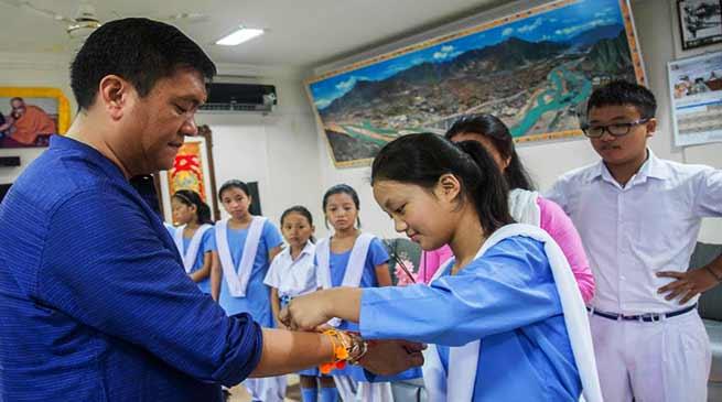 Arunachal: Pema Khandu celebrates Rakshabandhan with school children