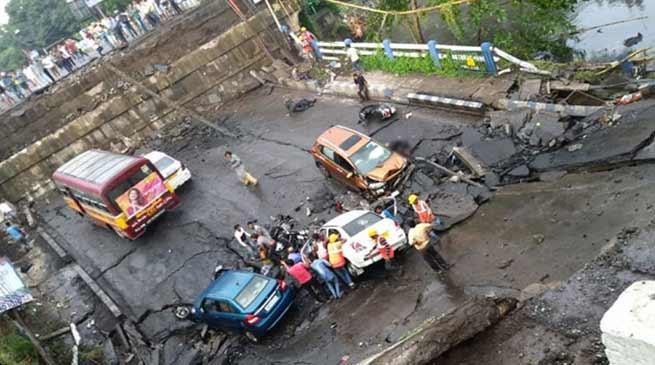 Kolkata Bridge collapse: One killed, 25 injured